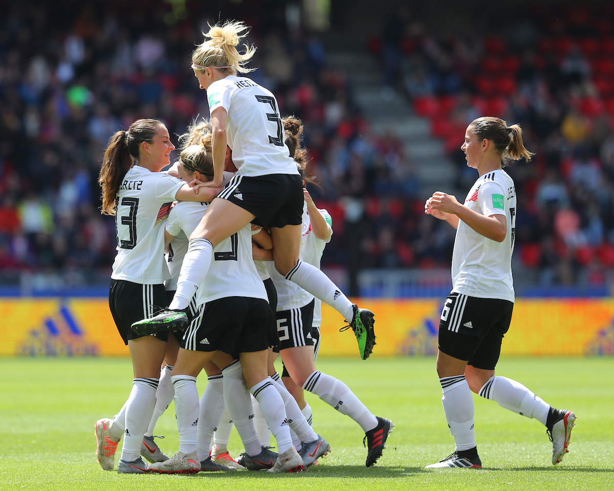 Germany Women players mob goal scorer Giulia Gwinn during the FIFA Women's World Cup 2019 match at Roazhon Park, Rennes Picture by Kunjan Malde/Focus Images Ltd +447523653989 08/06/2019