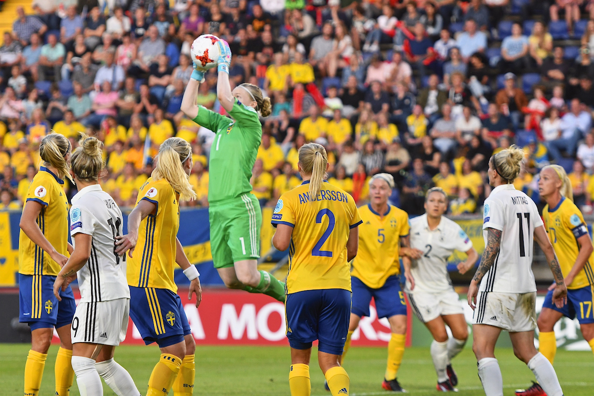 Sweden goalkeeper Hedvig Lindahl claims the ball during the UEFA Women's Euros 2017 match at the Rat Verlegh Stadion, Breda Picture by Kristian Kane/Focus Images Ltd +44 7814 482222 17/07/2017