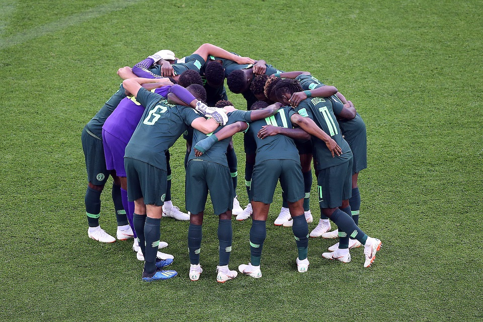 The Nigeria players in the pre match huddle before the 2018 FIFA World Cup match at St Petersburg Stadium, St Petersburg Picture by Paul Chesterton/Focus Images Ltd +44 7904 640267 26/06/2018