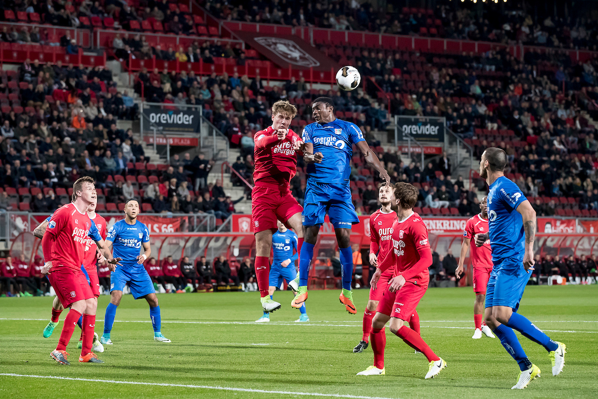 Joachim Andersen of FC Twente (3L), Taiwo Awoniyi of NEC (M) during the Dutch Eredivisie match at De Grolsch Veste, Enschede Picture by Joep Joseph Leenen/Focus Images Ltd +316 5261929 15/04/2017 ***NETHERLANDS OUT***