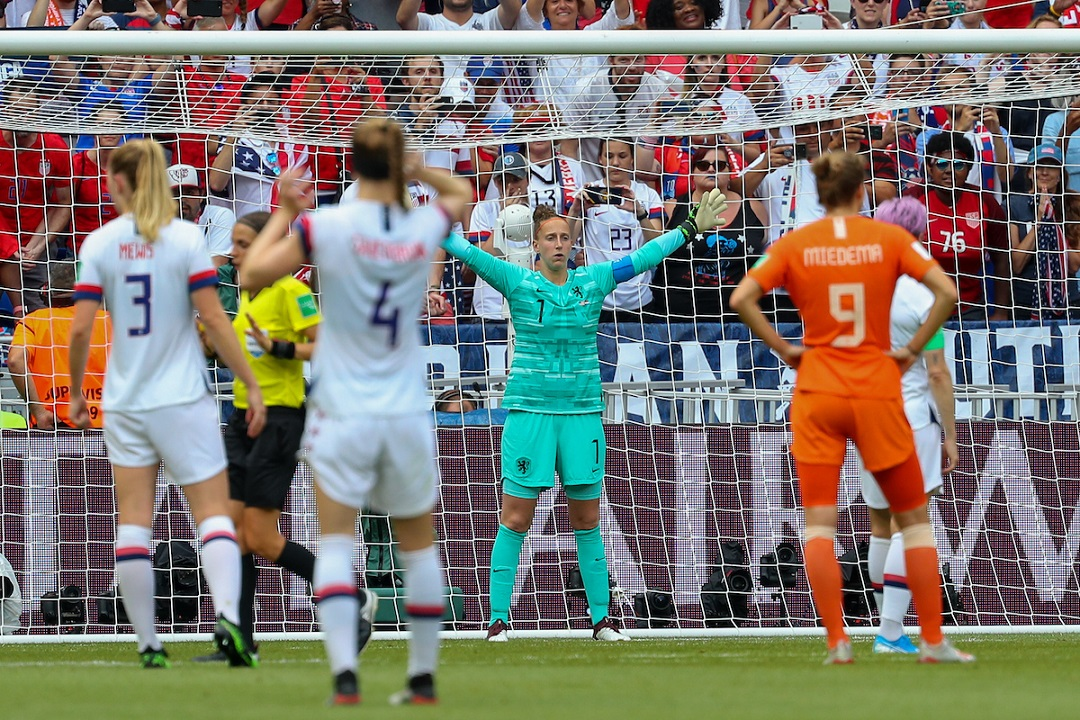Megan Rapinoe (cc) of The USA scores a penalty caused by Stefanie van der Gragt of The Netherlands to give them a one-nil lead during the 2019 FIFA Women's World Cup Final at Stade de Lyons, Lyons Picture by Kunjan Malde/Focus Images Ltd +447523653989 07/07/2019