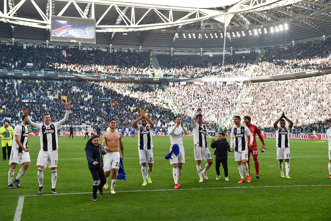 Juventus celebrate their victory during the Serie A match at Juventus Stadium, Turin Picture by Antonio Polia/Focus Images Ltd +393473147935 29/12/2018