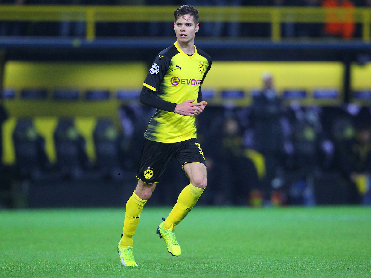 Julian Weigl of Borussia Dortmund during the UEFA Champions League match at Signal Iduna Park, Dortmund Picture by Yannis Halas/Focus Images Ltd +353 8725 82019 21/11/2017