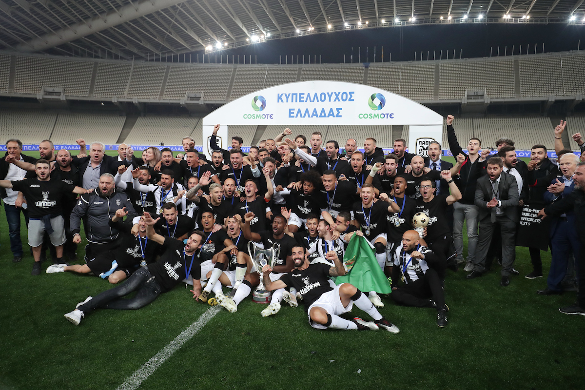 PAOK players and staff celebrate at the end of the Greek Cup Final at Olympic Stadium, Athens Picture by Yannis Halas/Focus Images Ltd +353 8725 82019 11/05/2019
