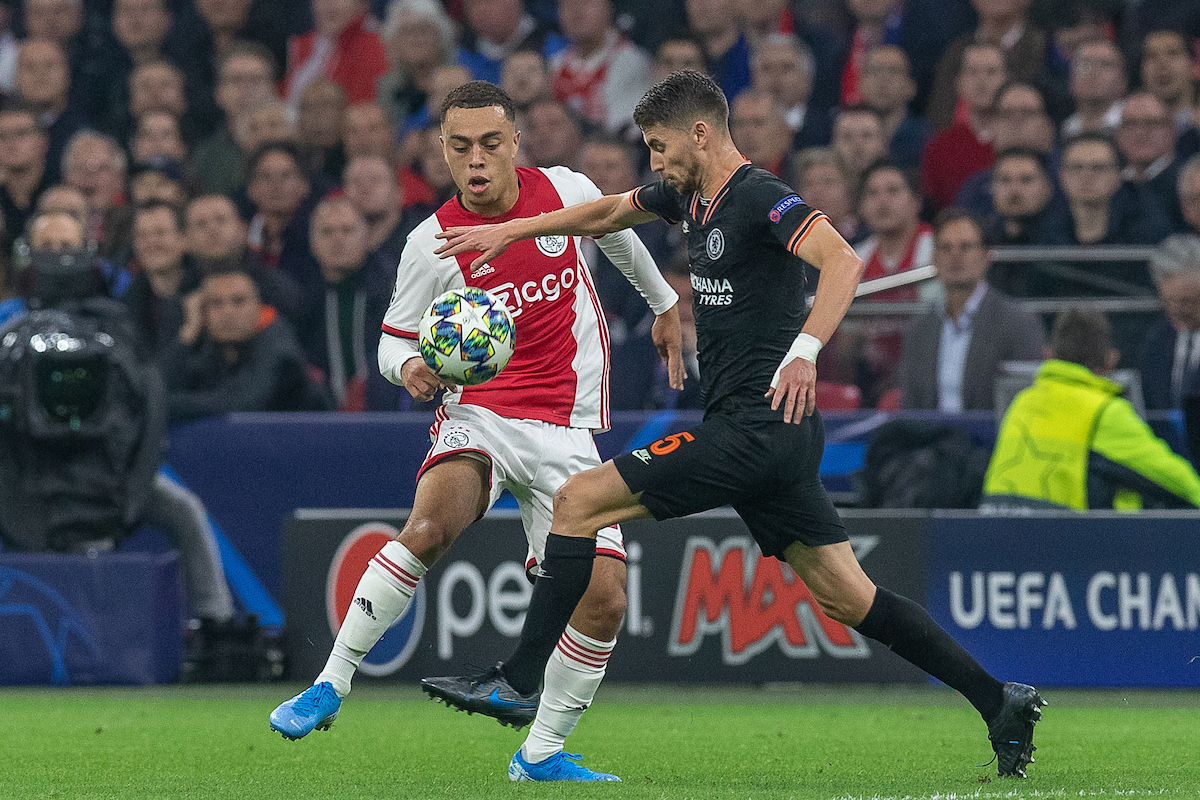 Sergino Dest of Ajax Amsterdam and Jorginho of Chelsea during the UEFA Champions League match at Johan Cruyff Arena, Amsterdam Picture by Sjoerd Tullenaar/Focus Images Ltd +31655744888 23/10/2019 ***NETHERLANDS OUT***
