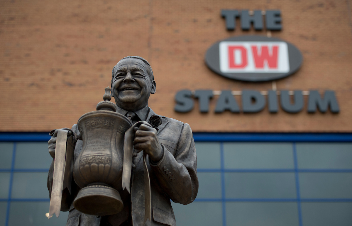 The new Dave Whelan statue at the DW Stadium, Wigan Picture by Russell Hart/Focus Images Ltd 07791 688 420 03/12/2016