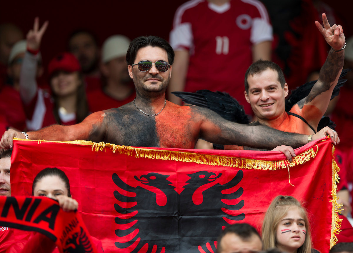 Kumbulla ya es internacional absoluto por Albania. Foto: Anthony Stanley/Focus Images Ltd
