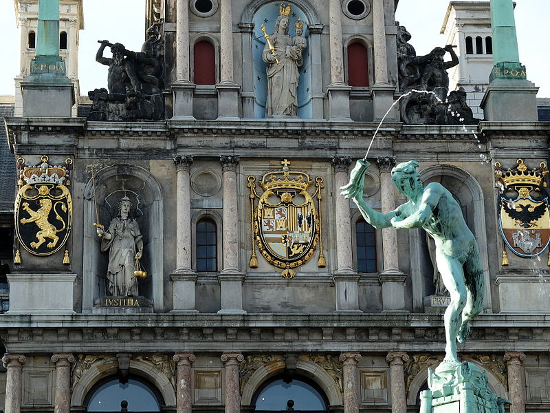 facade_of_antwerp_town_hall_close_up