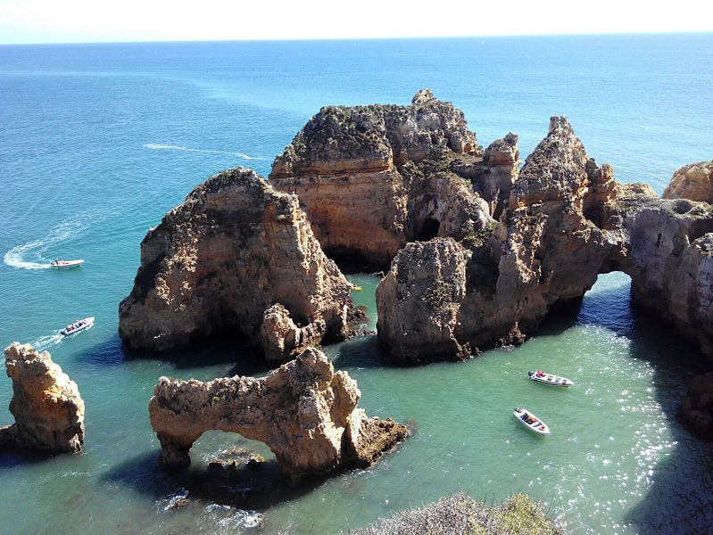 Las costas del Algarve, en Portugal. Foto: Carrmina bajo licencia Creative Commons 4.0
