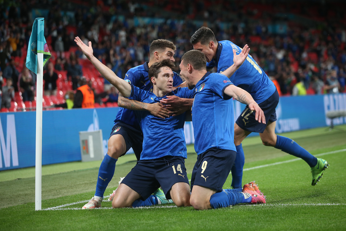 Federico Chiesa of Italy celebrates scoring their first goal with team mates during the UEFA Euro 2020 last 16 match at Wembley Stadium, London Picture by Paul Chesterton/Focus Images Ltd +44 7904 640267 26/06/2021