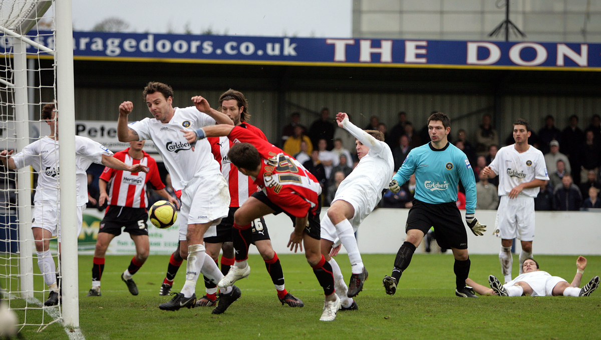 Havant & Waterlooville FC v Brentford FC - Primera Ronda FA Cup 2008. Foto: Focus Images Ltd.