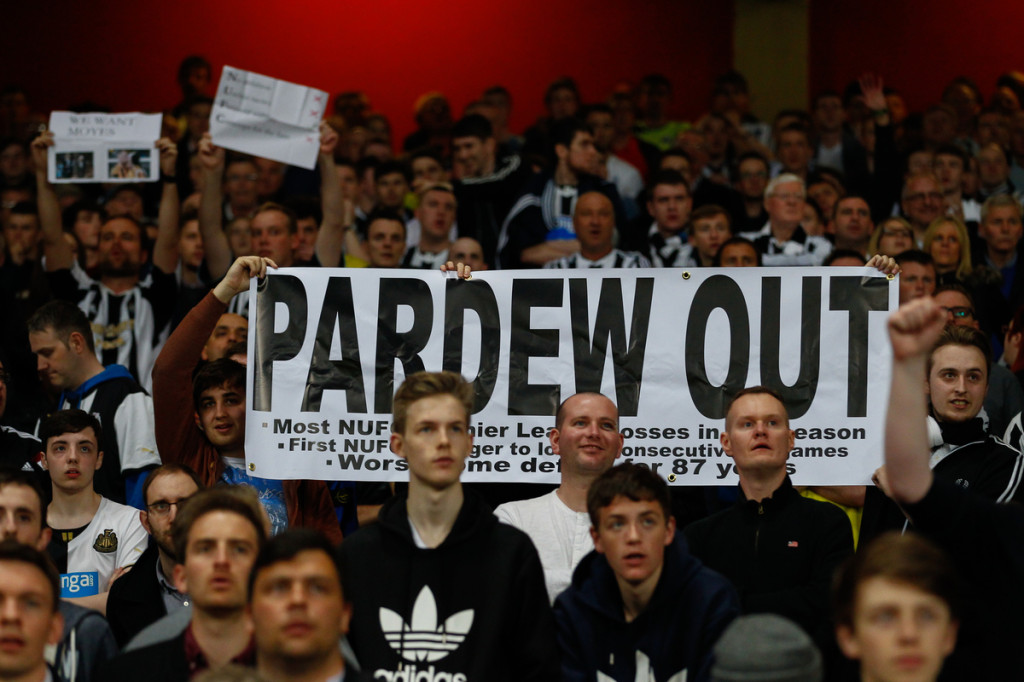 Aficionados Newcastle Pardew Out Focus