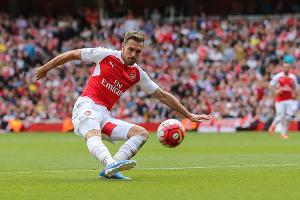 Aaron Ramsey of Arsenal shoots during the Barclays Premier League match at the Emirates Stadium, London Picture by David Horn/Focus Images Ltd +44 7545 970036 12/09/2015
