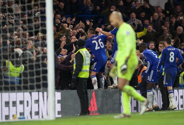 John Terry of Chelsea celebrates after scoring the equaliser to make it 3-3 during the Barclays Premier League match at Stamford Bridge, London Picture by Alan Stanford/Focus Images Ltd +44 7915 056117 16/01/2016