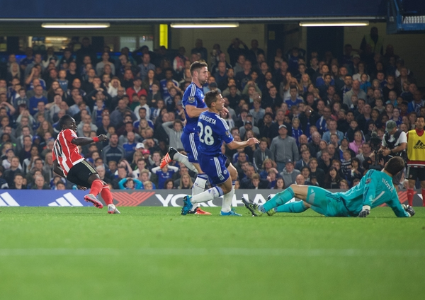 Sadio Mane (left) of Southampton turns to celebrate after scoring their second goal to make it 1-2 during the Barclays Premier League match at Stamford Bridge, London Picture by Alan Stanford/Focus Images Ltd +44 7915 056117 03/10/2015