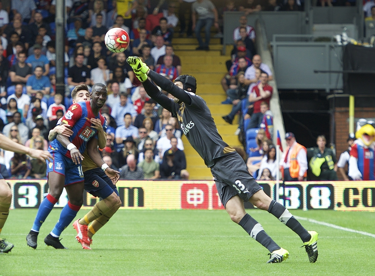 Goalkeeper Petr Cech of Arsenal punches the ball clear during the Barclays Premier League match at Selhurst Park, London Picture by Alan Stanford/Focus Images Ltd +44 7915 056117 16/08/2015