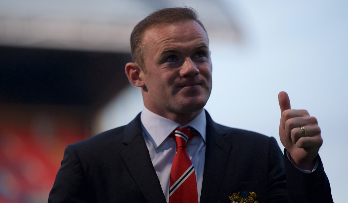 Wayne Rooney of Manchester United gives a thumbs up leaving after the Barclays Premier League match at Selhurst Park, London Picture by Alan Stanford/Focus Images Ltd +44 7915 056117 09/05/2015
