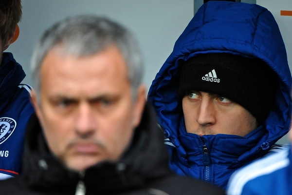 Picture by Ian Wadkins/Focus Images Ltd +44 7877 568959 05/01/2014 Eden Hazard of Chelsea sits behind Chelsea manager José Mourinho ahead of the The FA Cup match at the Ipro Stadium, Derby.