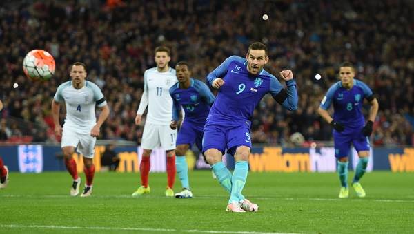 Vincent Janssen of Netherlands scores their first goal from the penalty spot during the International Friendly match at Wembley Stadium, London Picture by Daniel Hambury/Focus Images Ltd +44 7813 022858 29/03/2016