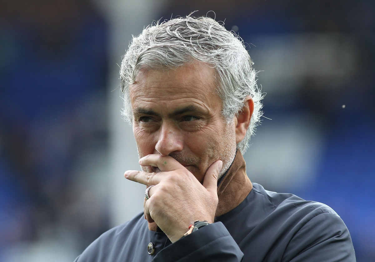 Jose Mourinho manager of Chelsea on the pitch watching his players warm up prior to the Barclays Premier League match against Everton at Goodison Park, Liverpool. Picture by Michael Sedgwick/Focus Images Ltd +44 7900 363072 12/09/2015