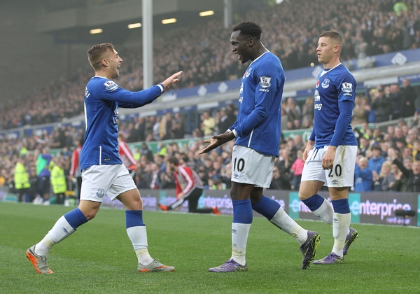 Romelu Lukaku of Everton celebrates with Gerard Deulofeu  after scoring the fourth goal against Sunderland during the Barclays Premier League match at Goodison Park, Liverpool. Picture by Michael Sedgwick/Focus Images Ltd +44 7900 363072 01/11/2015