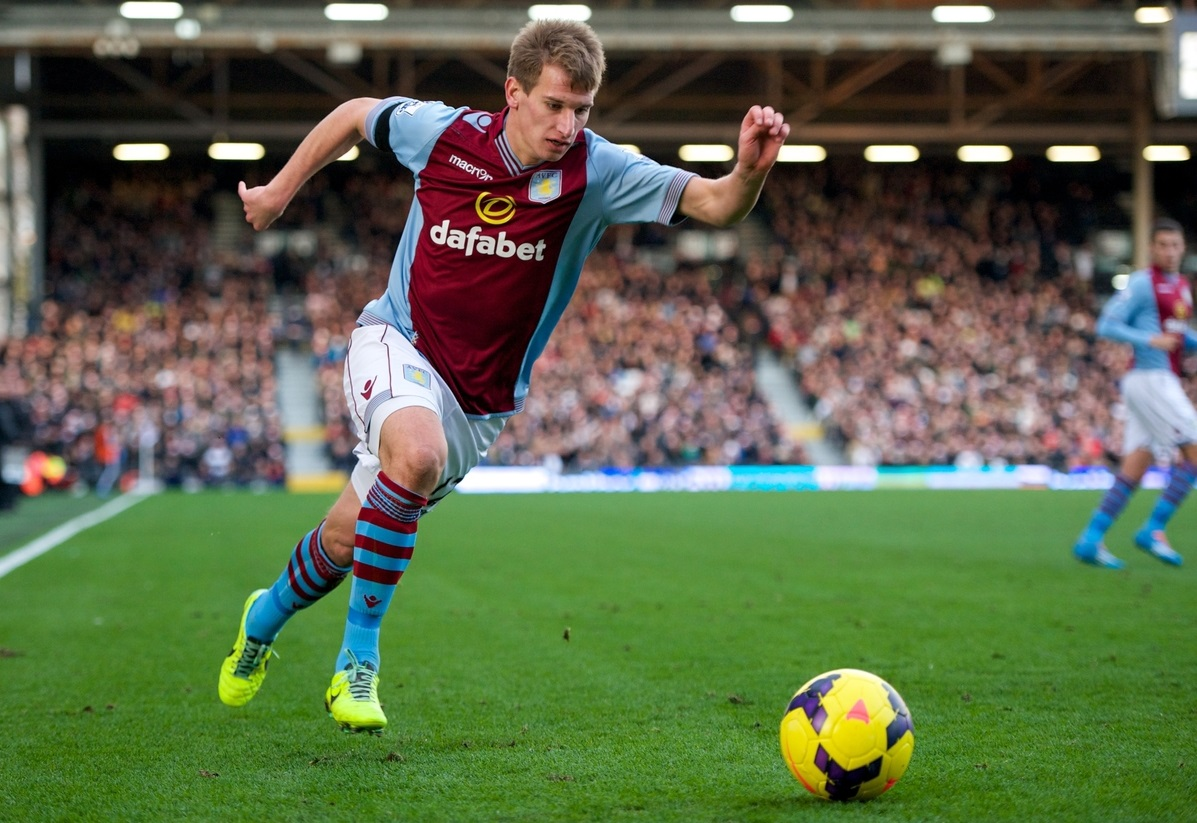 Picture by Alan Stanford/Focus Images Ltd +44 7915 056117 08/12/2013 Marc Albrighton of Aston Villa during the Barclays Premier League match at Craven Cottage, London.