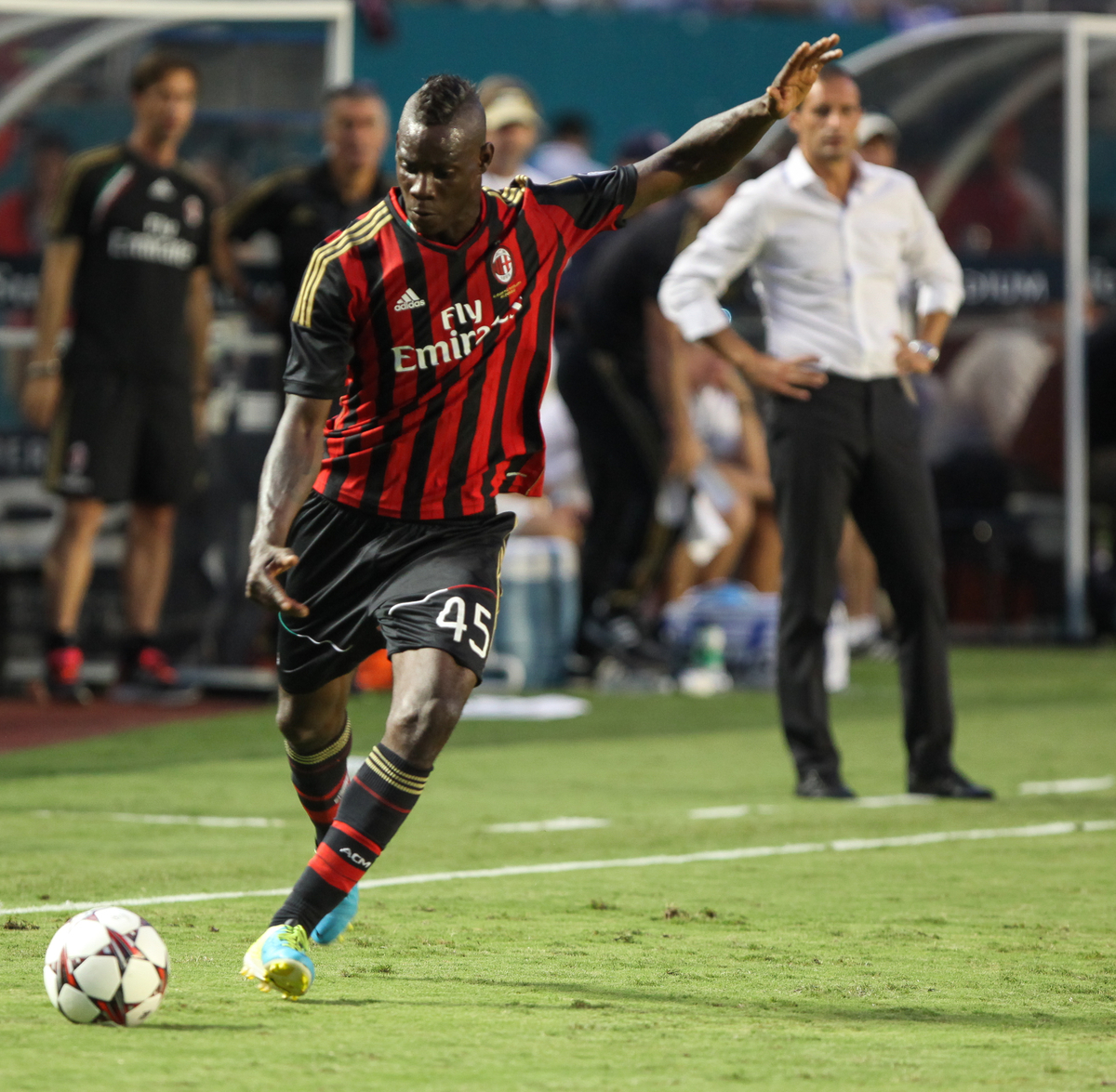 Massimiliano Allegri espera poder alinear a Mario Balotelli (Foto: Focus Images Ltd).
