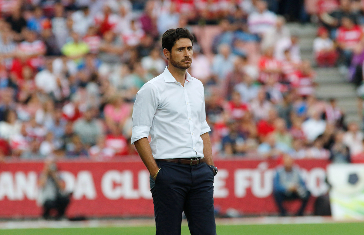 Deportivo de La Coruna  manager Victor Sanchez during the La Liga match at Estadio Nuevo Los Cármenes, Granada Picture by Andy Zakeli/Focus Images Ltd +34 651848516 03/10/2015