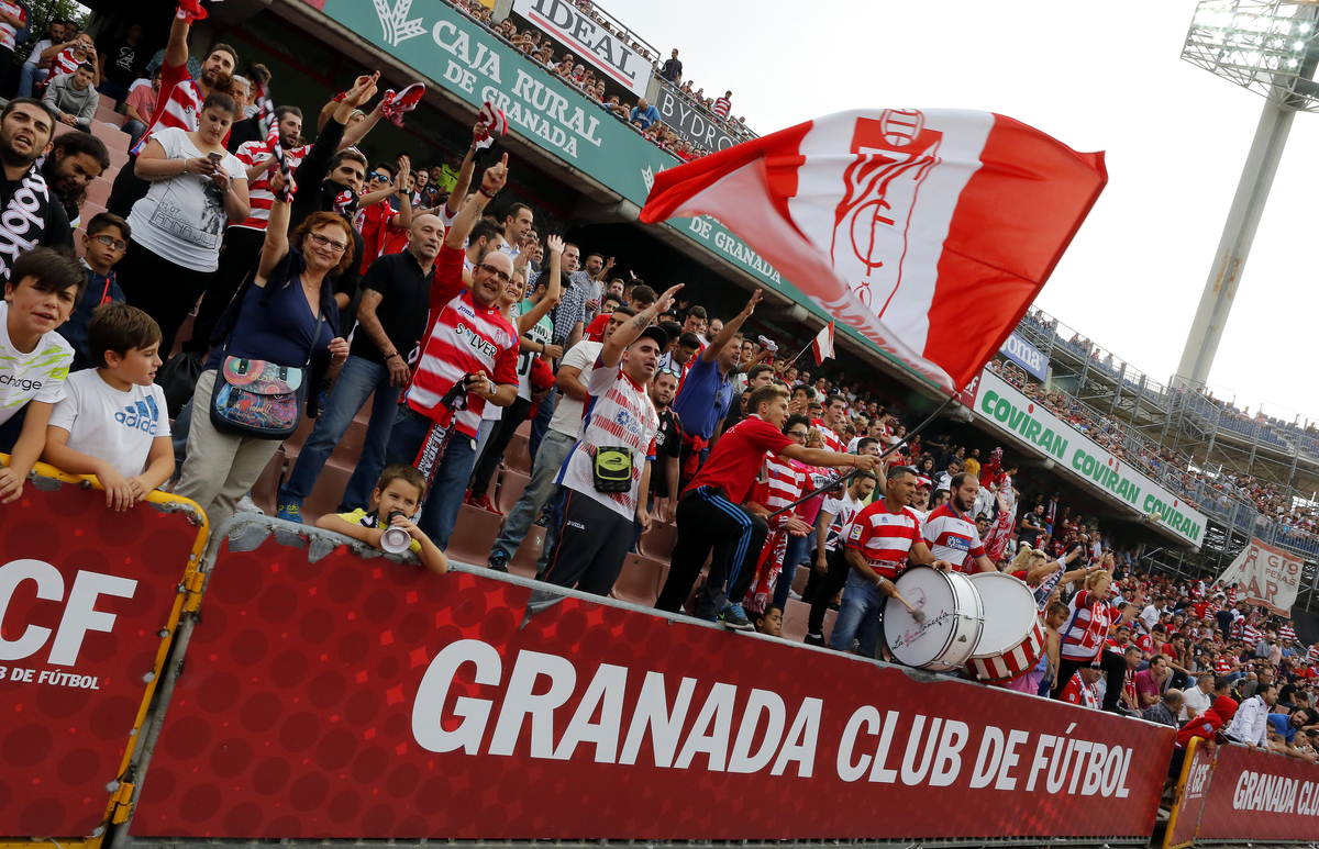Fans of Granada CF during the La Liga match at Estadio Nuevo Los Cármenes, Granada Picture by Andy Zakeli/Focus Images Ltd +34 651848516 03/10/2015