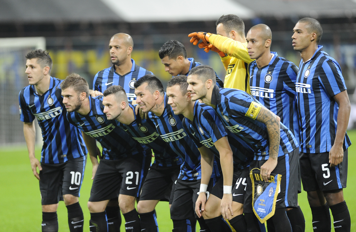 Team line up of Inter Milan during the Serie A match at San Siro, Milan Picture by Stefano Gnech/Focus Images Ltd +39 333 1641678 18/10/2015