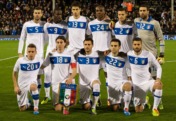 Picture by Alan Stanford/Focus Images Ltd +44 7915 056117 18/11/2013 The team of Italy ( top left to right ) Thiago Motta, Mario Balotelli, Andrea Ranocchia, Angelo Ogbonna, Christian Maggio, goalkeeper Salvatore Sirigu ( bottom left to right) Emanuele Giaccherini, Riccardo Montolivo, Manuel Pasqual, Giuseppe Rossi, Antonio Candreva before the International Friendly match at Craven Cottage, London.