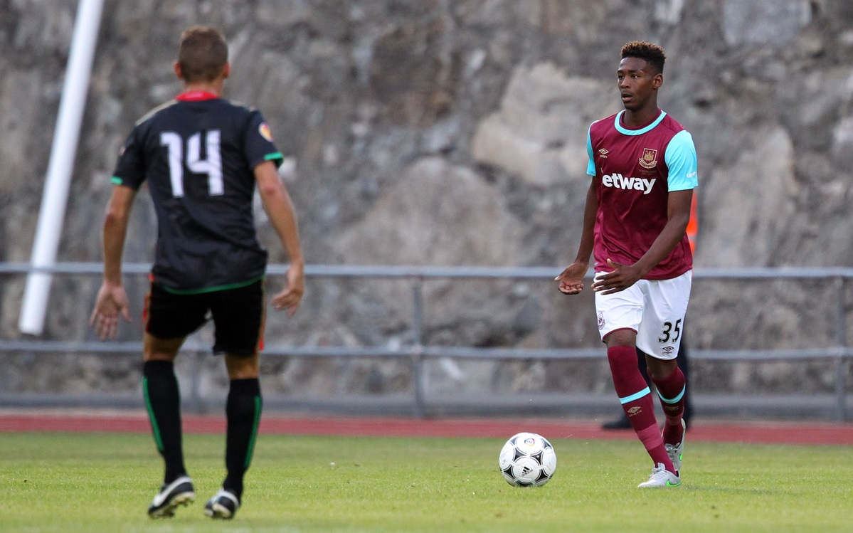 Reece Oxford, en la Europa League (Foto: Focus Images Ltd)
