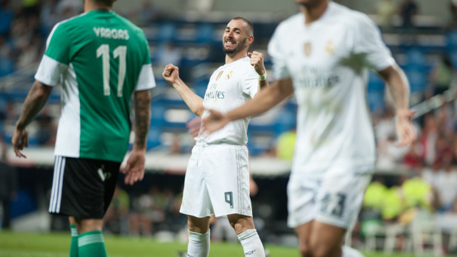 Karim benzema of Real Madrid celebrates scoring during the La Liga match at the Estadio Santiago Bernabeu, Madrid Picture by Marcos Calvo Mesa/Focus Images Ltd +34 654142934 29/08/2015