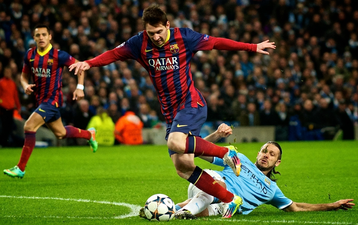 Manchester City Demichelis Messi Barcelona Focus