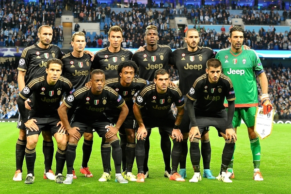 Juventus players line up pictured ahead of the UEFA Champions League match at the Etihad Stadium, Manchester Picture by Ian Wadkins/Focus Images Ltd +44 7877 568959 15/09/2015