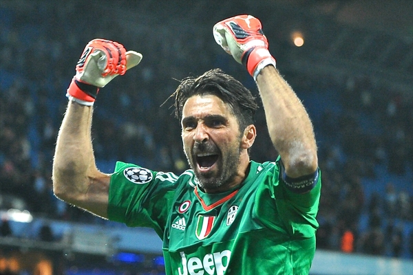 Gianluigi Buffon of Juventus celebrates following the UEFA Champions League match at the Etihad Stadium, Manchester Picture by Ian Wadkins/Focus Images Ltd +44 7877 568959 15/09/2015