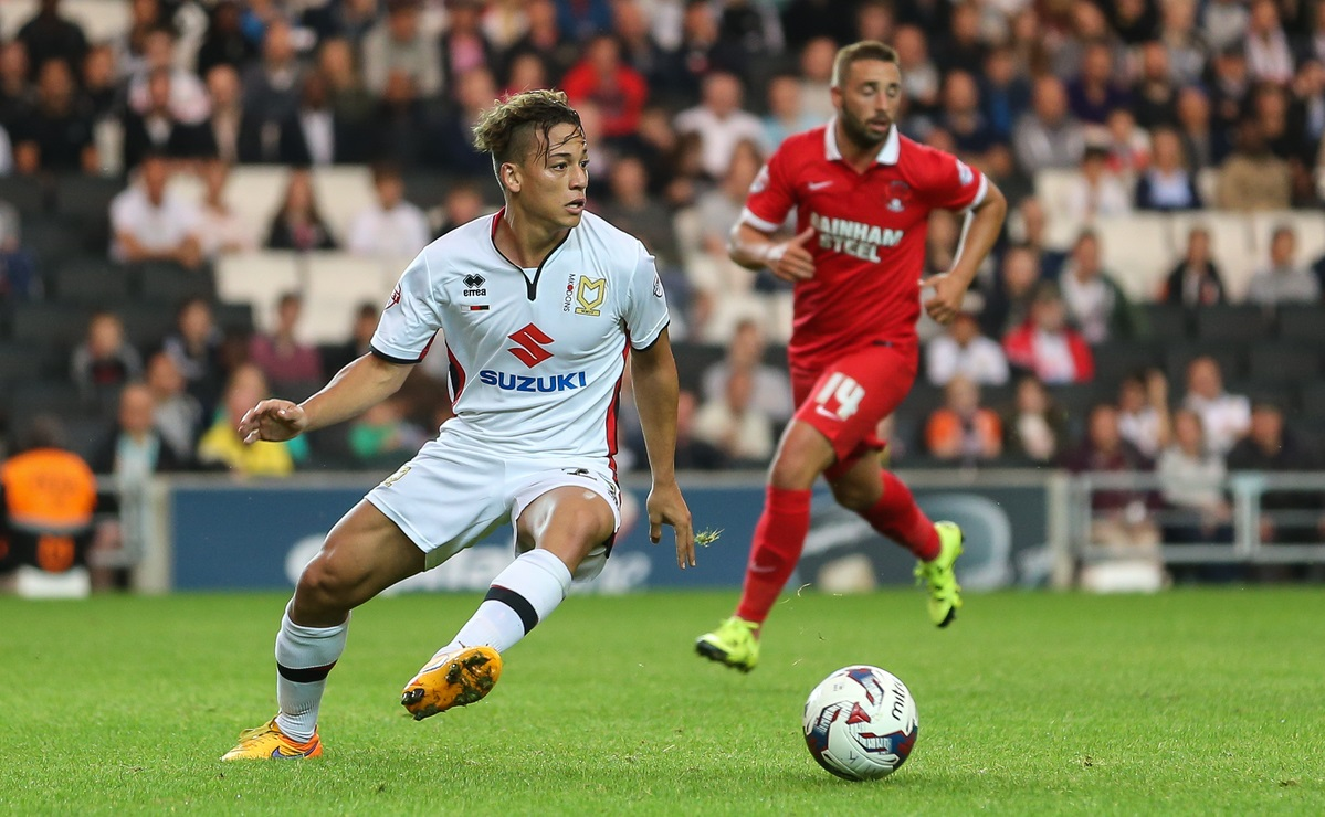 Cristian Benavente of Milton Keynes Dons during the Capital One Cup match at stadium:mk, Milton Keynes Picture by David Horn/Focus Images Ltd +44 7545 970036 11/08/2015
