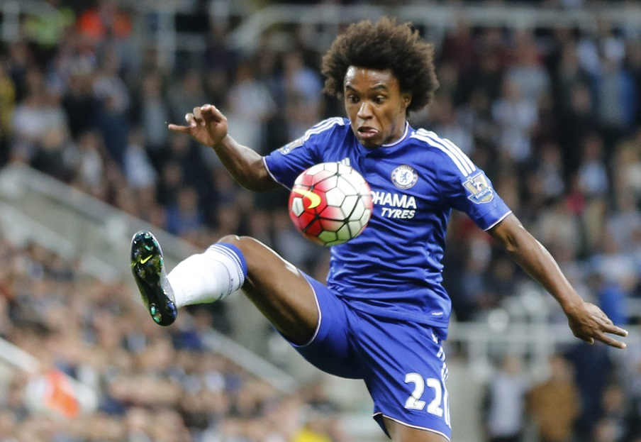 Willian of Chelsea during the Barclays Premier League match at St. James's Park, Newcastle Picture by Simon Moore/Focus Images Ltd 07807 671782 26/09/2015