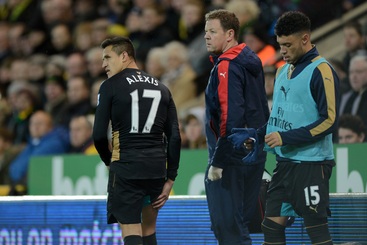 Alexis Sanchez of Arsenal sustains a hamstring injury and is substituted during the Barclays Premier League match between Norwich City and Arsenal at Carrow Road, Norwich Picture by Richard Blaxall/Focus Images Ltd +44 7853 364624 29/11/2015
