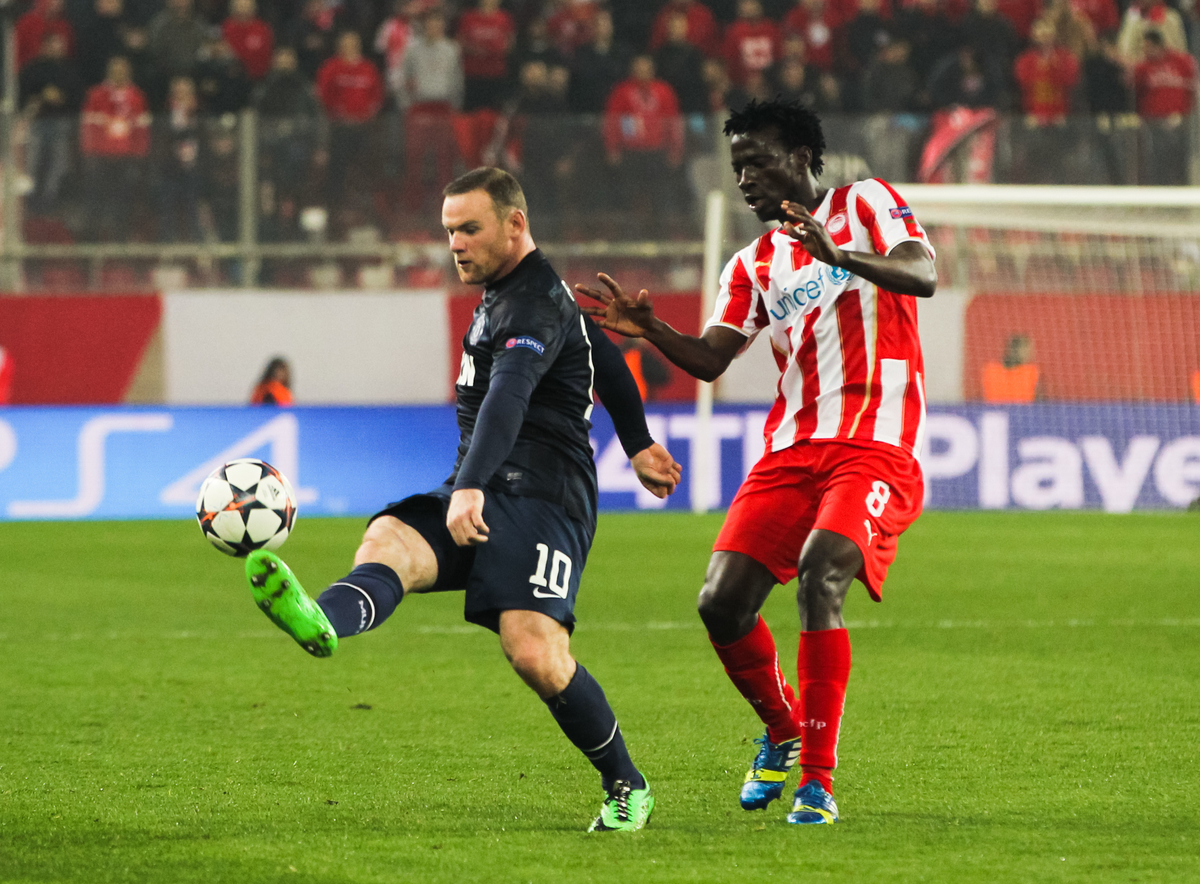 Ndinga Olympiacos Rooney Manchester United Focus