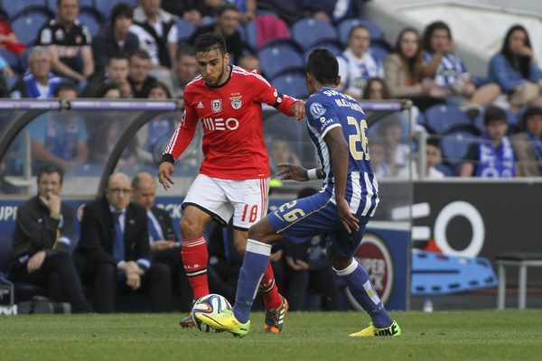 Salvio of Benfica (left) and Alex Sandro of Benfica during the Primeira Liga match at the Estádio do Dragão, Porto Picture by Pedro Lopes/Focus Images Ltd +54 936 360 807 10/05/2014