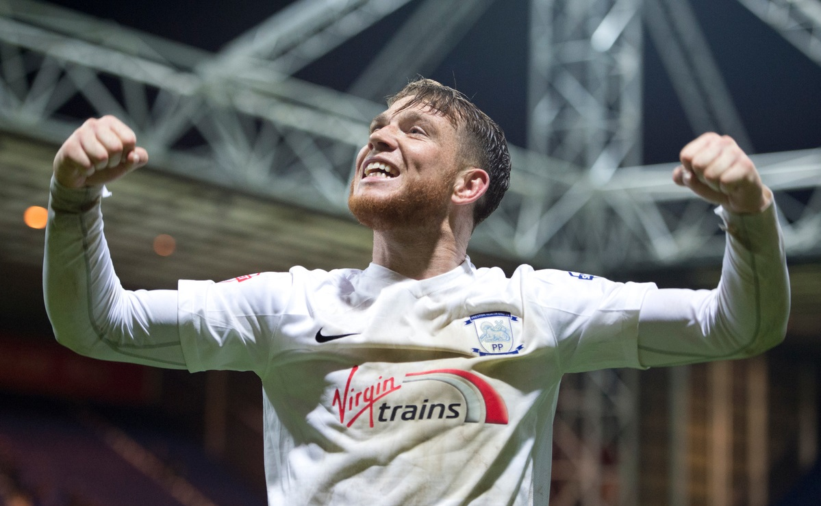 Joe Garner, delantero del Preston (Foto: Focus Images Ltd)