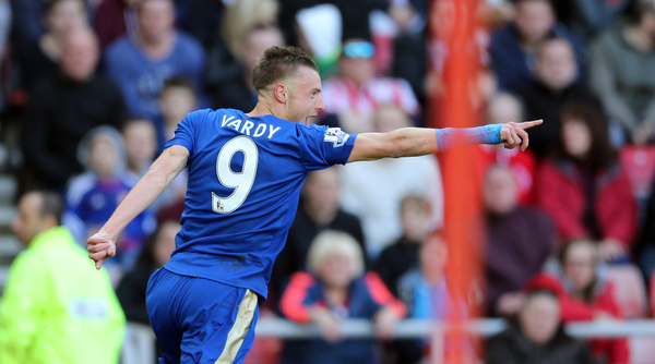 Jamie Vardy of Leicester City celebrates scoring the opening goal during the Barclays Premier League match at the Stadium Of Light, Sunderland Picture by Simon Moore/Focus Images Ltd 07807 671782 10/04/2016
