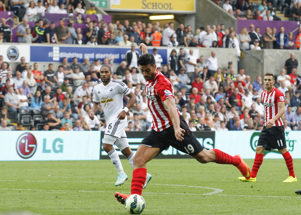 Pellè anotó el segundo gol. Foto: Focus Images Ltd.