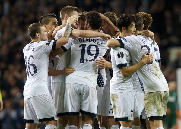 Mousa Dembele (19) of Tottenham Hotspur celebrates after scoring with his team mates to make it 2-1 during the UEFA Champions League match at White Hart Lane, London Picture by Alan Stanford/Focus Images Ltd +44 7915 056117 05/11/2015