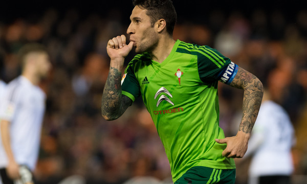 Hugo Mallo of Celta Vigo celebrates the second goal during the La Liga match at Mestalla, Valencia Picture by Maria Jose Segovia/Focus Images Ltd +34 660052291 20/03/2016