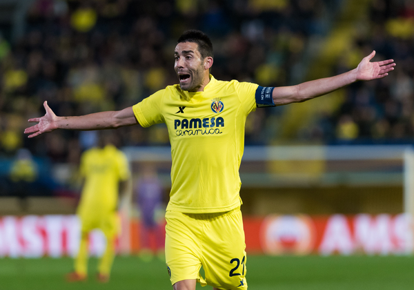 Bruno Soriano of Villarreal CF  during the UEFA Europa League quarter final match at Estadio El Madrigal, Villarreal Picture by Maria Jose Segovia/Focus Images Ltd +34 660052291 07/04/2016