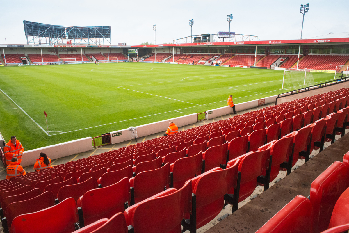 Interior del Banks's Stadium, Walsall. Foto de Matt Wilkinson/Focus Images Ltd.