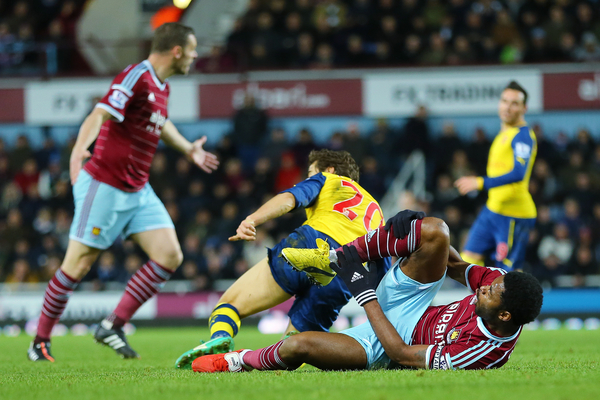 Arsenal West Ham Flamini - Focus