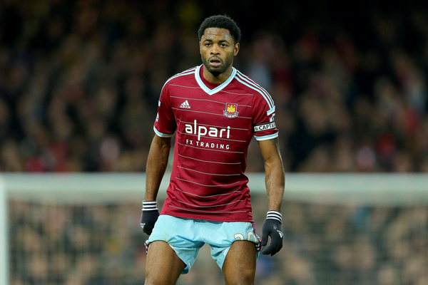 West Ham United Alex Song - Focus